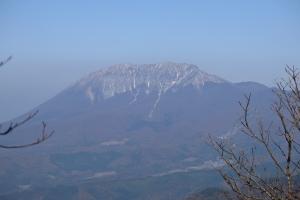 金ヶ谷山より見た大山